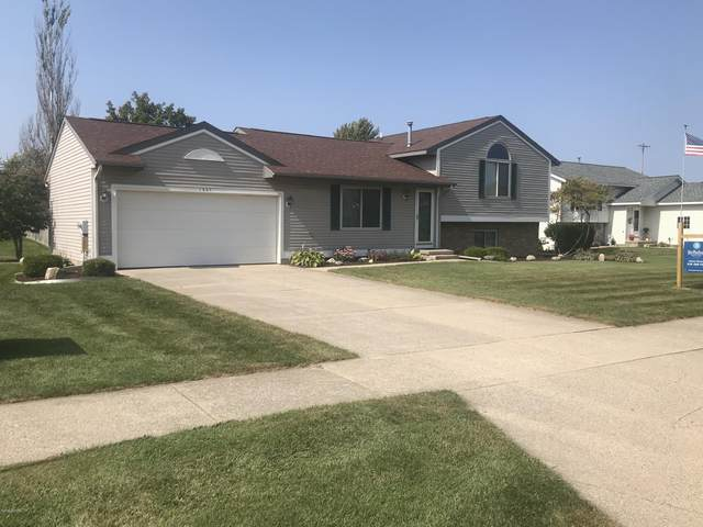 1937 Mullins Avenue NW, Grand Rapids, MI 49534 (MLS #20038573) :: Ron Ekema Team