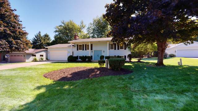 5654 Vista De Oro Court NE, Rockford, MI 49341 (MLS #20039709) :: Ginger Baxter Group