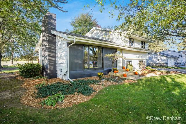 1764 W Midland Road, Auburn, MI 48611 (MLS #20042346) :: Jennifer Lane-Alwan