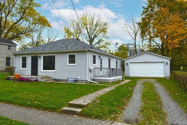 316 Johnson Street, Cassopolis, MI 49031 (MLS #20043805) :: Keller Williams RiverTown