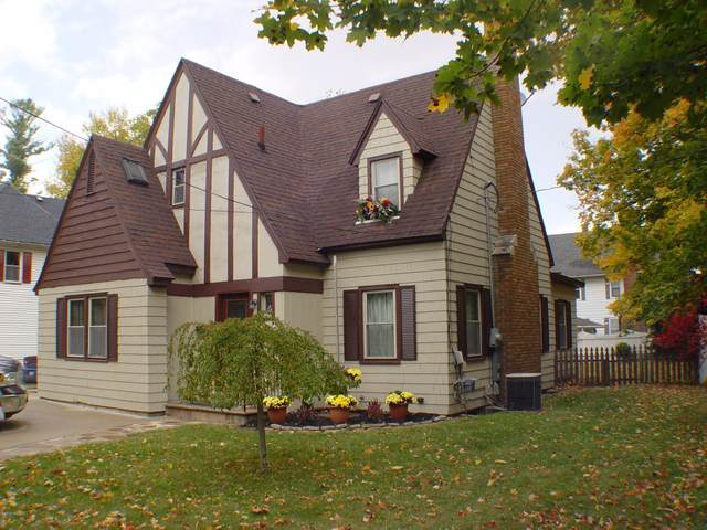 629 S Jefferson Street, Hastings, MI 49058 (MLS #20043990) :: Keller Williams RiverTown