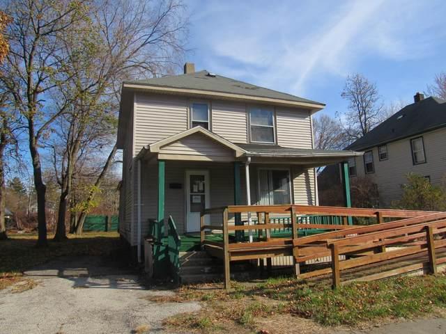677 Pavone Street, Benton Harbor, MI 49022 (MLS #20047761) :: Deb Stevenson Group - Greenridge Realty