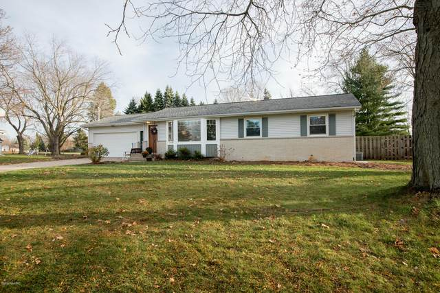 1740 Greenwoods Drive, Jenison, MI 49428 (MLS #20048315) :: Deb Stevenson Group - Greenridge Realty