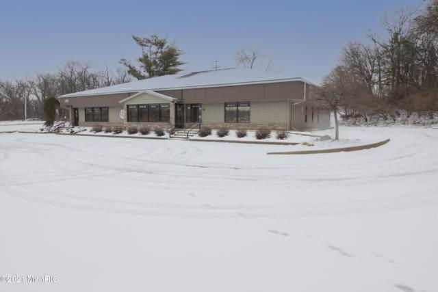 401 W Kilgore Road, Portage, MI 49002 (MLS #21001441) :: Deb Stevenson Group - Greenridge Realty