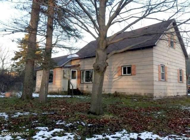 501 First Street, Ludington, MI 49431 (MLS #21001517) :: Deb Stevenson Group - Greenridge Realty