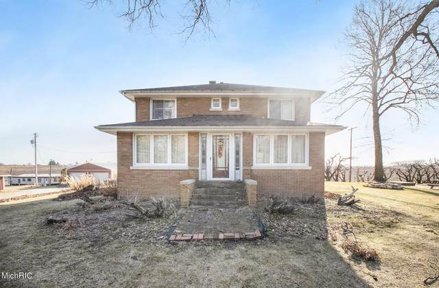 7937 Hochberger Road, Eau Claire, MI 49111 (MLS #21003171) :: Your Kzoo Agents