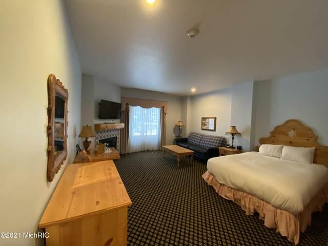 2780 Boyne Mountain Road #101, Boyne Falls, MI 49713 (MLS #21003453) :: Keller Williams Realty | Kalamazoo Market Center