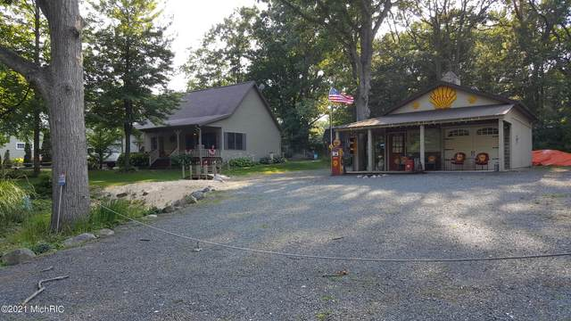 459 N 18th Avenue, Mears, MI 49436 (MLS #21004816) :: Deb Stevenson Group - Greenridge Realty