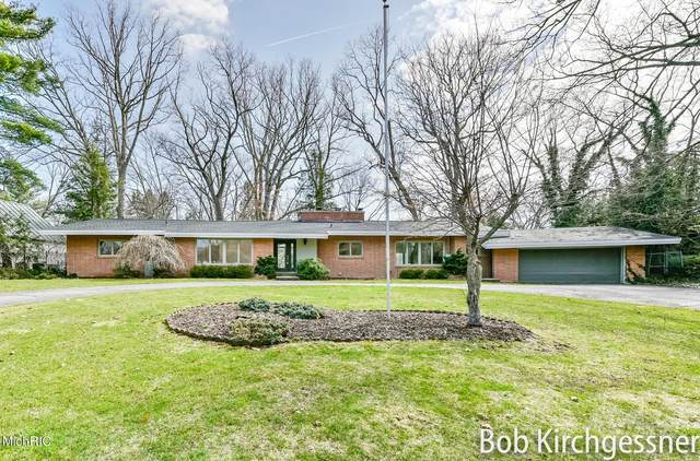 1920 El Dorado Drive SE, East Grand Rapids, MI 49506 (MLS #21005328) :: Ginger Baxter Group