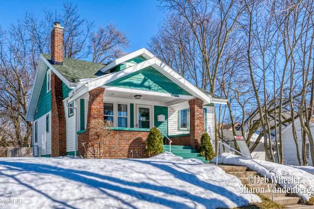 1824 Godwin Avenue SE, Grand Rapids, MI 49507 (MLS #21005694) :: Deb Stevenson Group - Greenridge Realty