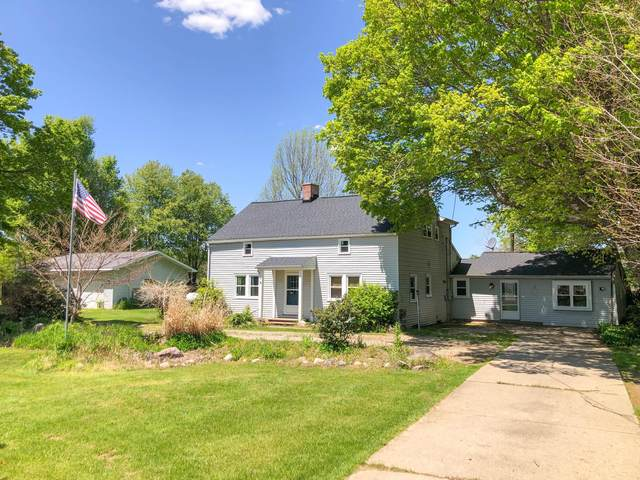 156 E Southern Road, Coldwater, MI 49036 (MLS #21007902) :: Ginger Baxter Group