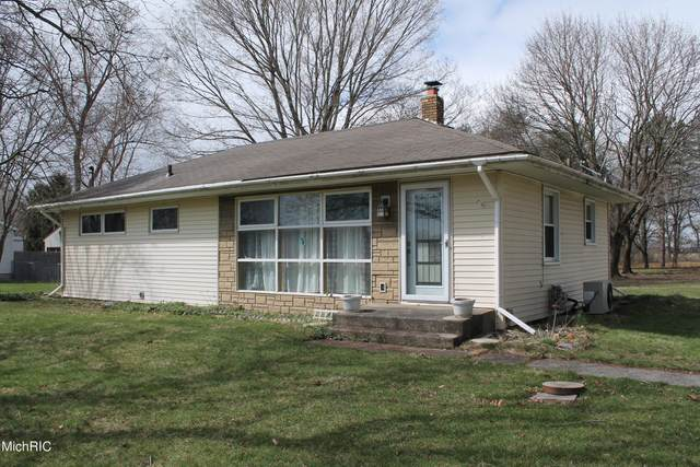 71324 M 62, Edwardsburg, MI 49112 (MLS #21010522) :: Your Kzoo Agents