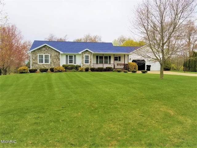 1440 Red Clover Hills Dr Drive, Jonesville, MI 49250 (MLS #21012235) :: Your Kzoo Agents