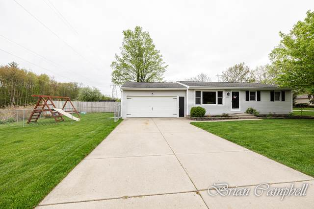 1762 Justin Avenue NW, Grand Rapids, MI 49534 (MLS #21015425) :: Your Kzoo Agents