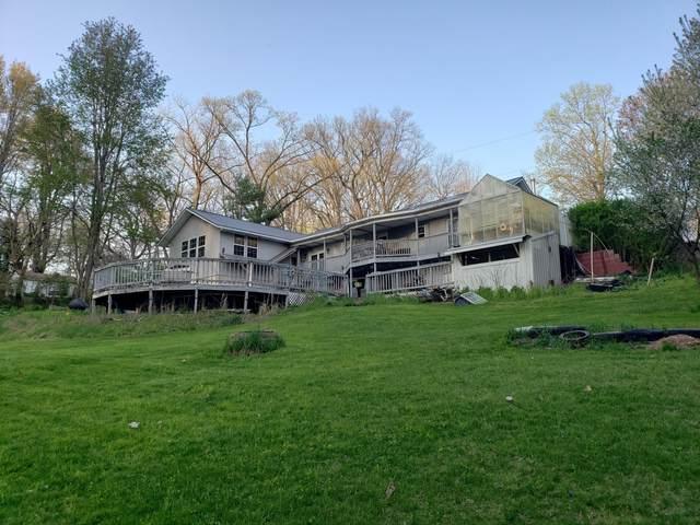 2890 Oak Forest Road, Buchanan, MI 49107 (MLS #21018845) :: Deb Stevenson Group - Greenridge Realty