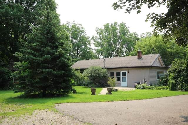 5280 E V Avenue, Vicksburg, MI 49097 (MLS #21025052) :: Deb Stevenson Group - Greenridge Realty