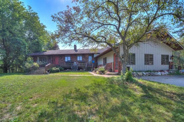 7390 Devo Drive, Ravenna, MI 49451 (MLS #21070222) :: BlueWest Properties