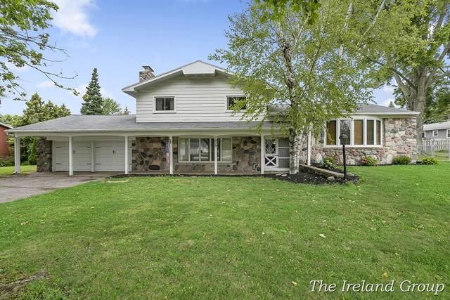 1839 60th Street SE, Kentwood, MI 49508 (MLS #21097386) :: BlueWest Properties