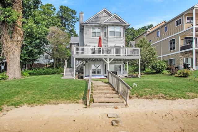 1300 N Eagle Lake Drive, Kalamazoo, MI 49009 (MLS #21097671) :: BlueWest Properties