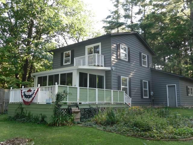 1825 Arrowhead Trail, Allegan, MI 49010 (MLS #21100363) :: The Hatfield Group