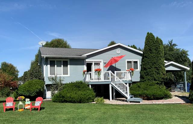1026 Putter Drive, Lake Isabella, MI 48893 (MLS #21100587) :: Sold by Stevo Team | @Home Realty