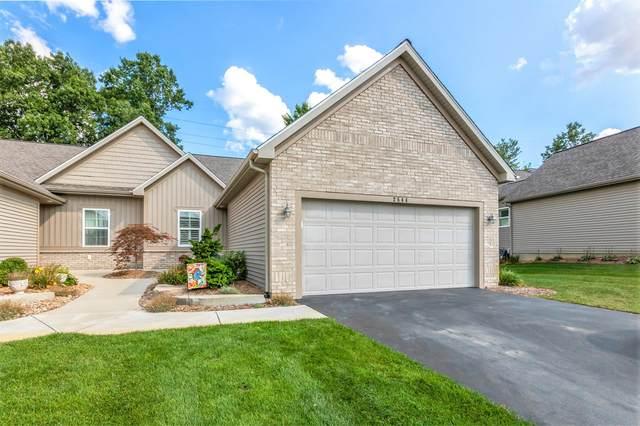 2544 Highridge Hills Lane SE #93, Grand Rapids, MI 49546 (MLS #21104503) :: Ginger Baxter Group