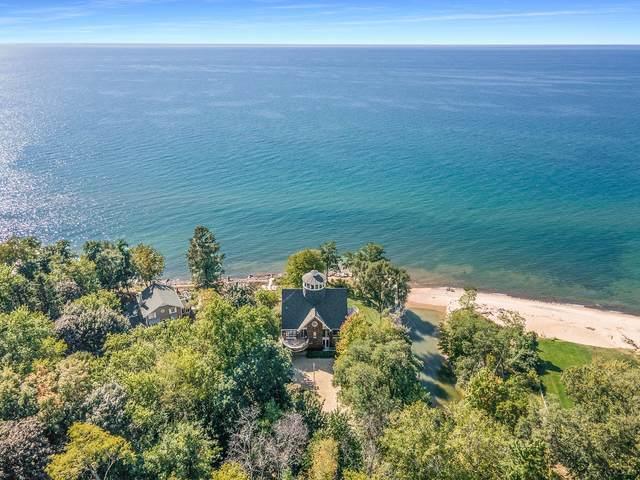 2060 Lake Michigan Drive, Fennville, MI 49408 (MLS #21104552) :: Sold by Stevo Team   @Home Realty