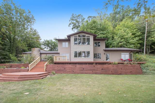 00878 Lake Drive, Gobles, MI 49055 (MLS #21105172) :: Sold by Stevo Team | @Home Realty