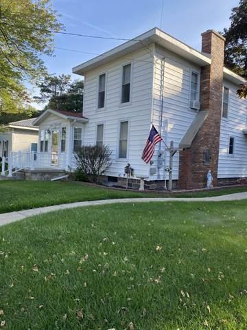 112 N Main Street, Sheridan, MI 48884 (MLS #21107725) :: Deb Stevenson Group - Greenridge Realty