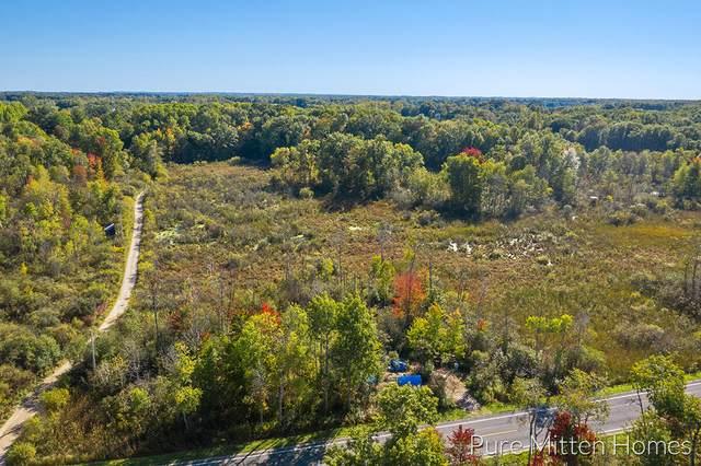 8564 Becker Street, Cedar Springs, MI 49319 (MLS #21108279) :: Sold by Stevo Team | @Home Realty