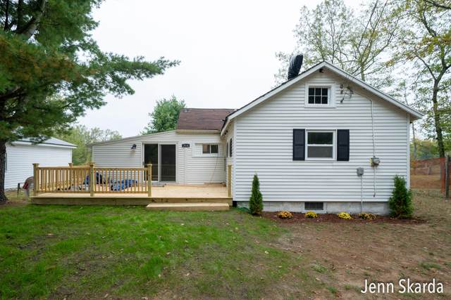 314 E Wilson Drive, Idlewild, MI 49642 (MLS #21108996) :: Sold by Stevo Team | @Home Realty