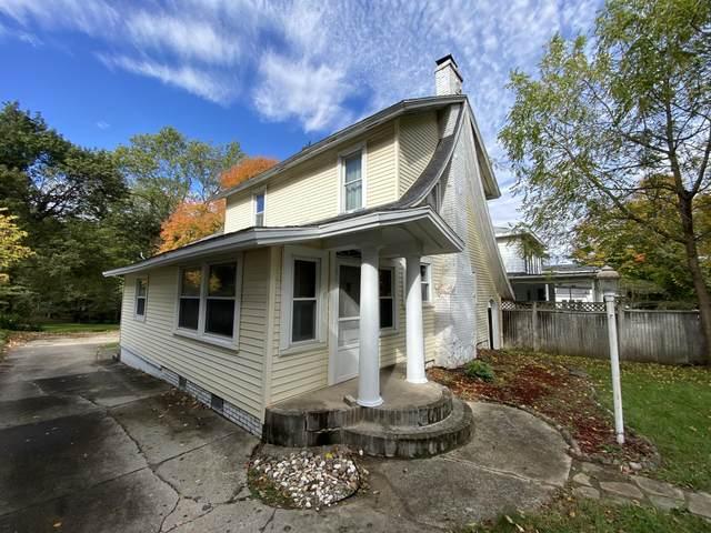 74 N West Street, Hillsdale, MI 49242 (MLS #21111467) :: Sold by Stevo Team | @Home Realty