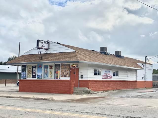 806 Maple Street, Big Rapids, MI 49307 (MLS #21111468) :: The Hatfield Group