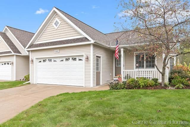 11441 North Lake Drive, Holland, MI 49424 (MLS #21112037) :: Fifth Floor Real Estate