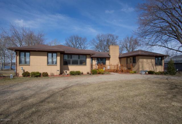 8704 E Long Lake Drive, Scotts, MI 49088 (MLS #18010213) :: JH Realty Partners