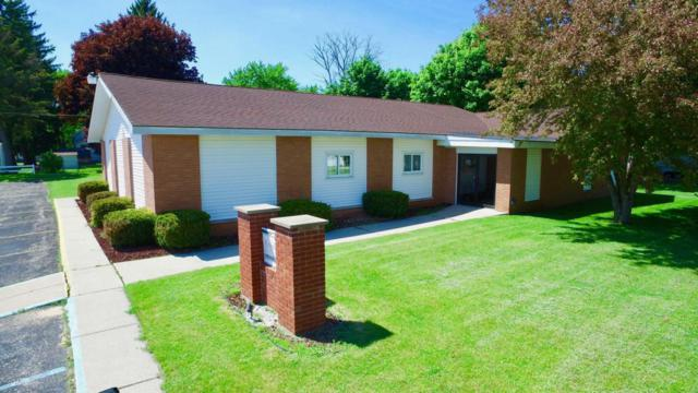 107 Linwood Avenue, Alma, MI 48801 (MLS #18020913) :: Deb Stevenson Group - Greenridge Realty