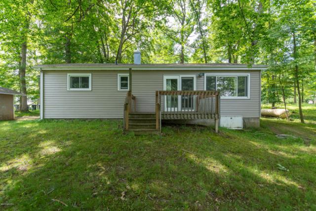 12 Baur Lane, Vicksburg, MI 49097 (MLS #18026456) :: Matt Mulder Home Selling Team
