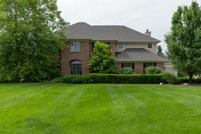 8426 Grapevine Circle, Mattawan, MI 49071 (MLS #18027894) :: Matt Mulder Home Selling Team