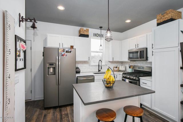 160 Liberty Street NW, Sparta, MI 49345 (MLS #19005181) :: Deb Stevenson Group - Greenridge Realty