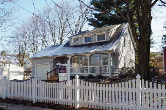 904 Maple Street, Albion, MI 49224 (MLS #19013645) :: Matt Mulder Home Selling Team