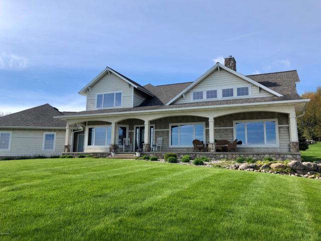 5352 Waldorf Road, Delton, MI 49046 (MLS #19016724) :: Matt Mulder Home Selling Team