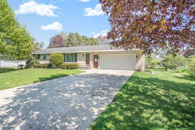 415 Huizenga Avenue, Zeeland, MI 49464 (MLS #19019764) :: Deb Stevenson Group - Greenridge Realty