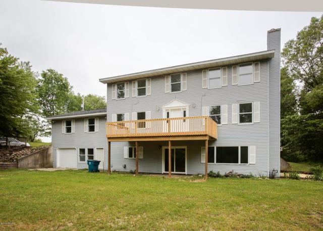 1150 10th Street, Plainwell, MI 49080 (MLS #19023161) :: Matt Mulder Home Selling Team