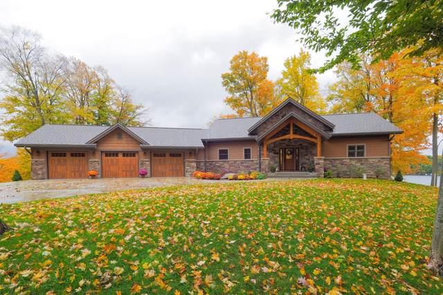 1499 Timber Ridge Bay Drive, Allegan, MI 49010 (MLS #19036537) :: Matt Mulder Home Selling Team