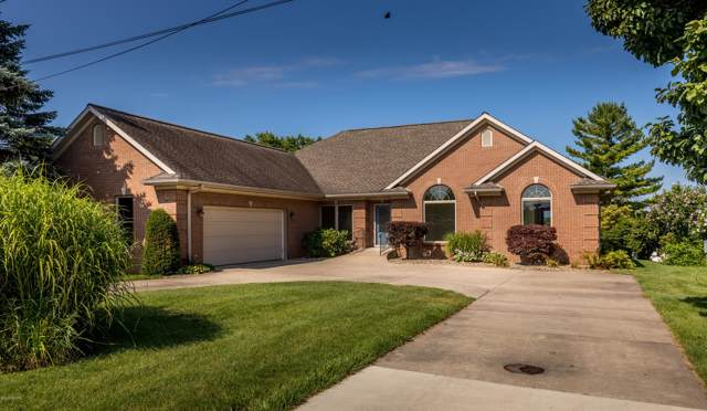 160 Meadow Wood Court, Decatur, MI 49045 (MLS #19037147) :: Deb Stevenson Group - Greenridge Realty