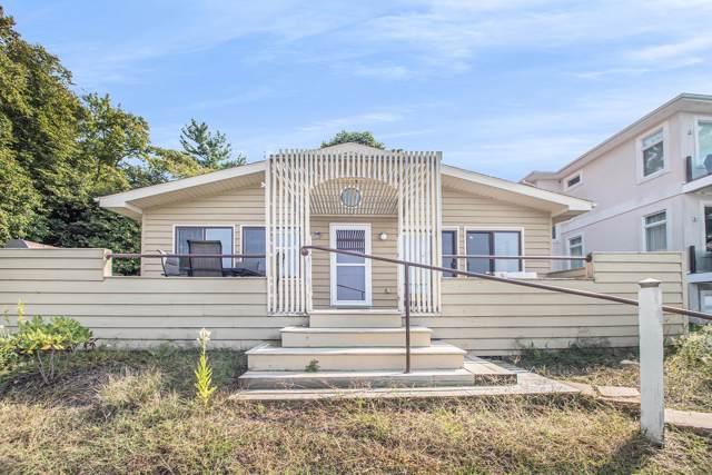 3605 Lake Shore Drive, Michiana Shores, IN 46360 (MLS #19041649) :: Deb Stevenson Group - Greenridge Realty