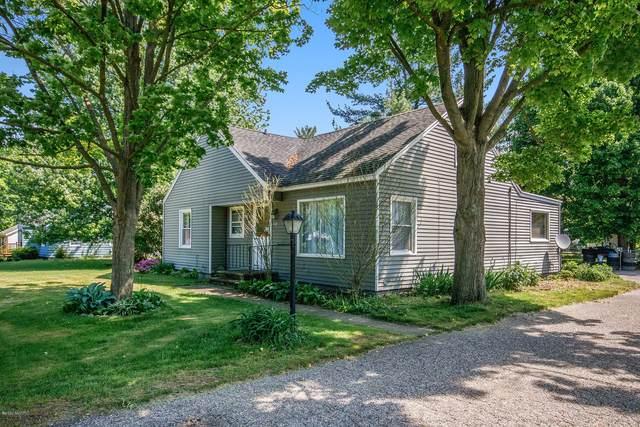 208 Forrest Street, Wayland, MI 49348 (MLS #20018414) :: Ginger Baxter Group