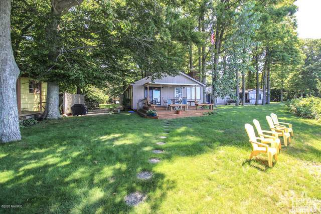 2563 N Scenic Drive, Muskegon, MI 49445 (MLS #20019755) :: Ginger Baxter Group