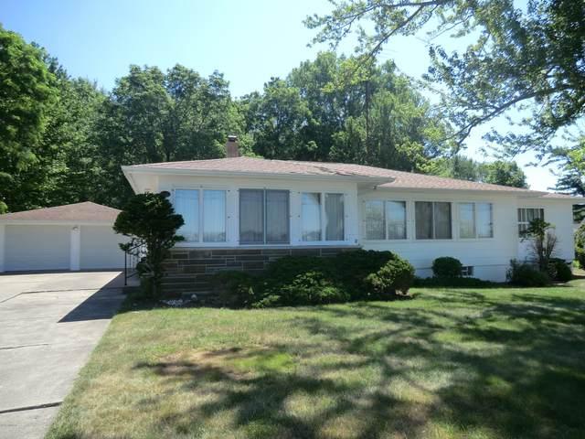 657 Lake Drive, Coldwater, MI 49036 (MLS #20023874) :: CENTURY 21 C. Howard