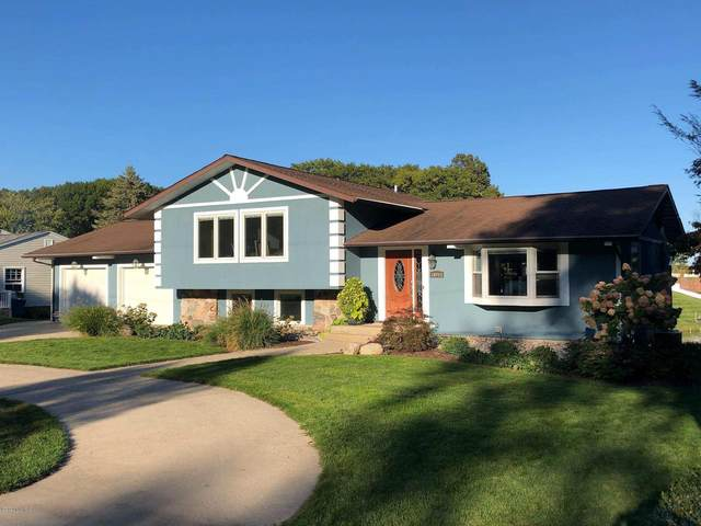 16093 Harbor Point Drive, Spring Lake, MI 49456 (MLS #20034621) :: Deb Stevenson Group - Greenridge Realty
